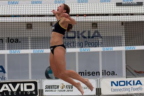 beach volley pelaaja voittaa